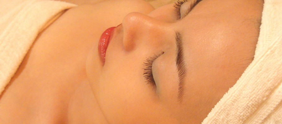 A Facial Singapore Spa Feature for Beautiful Skin